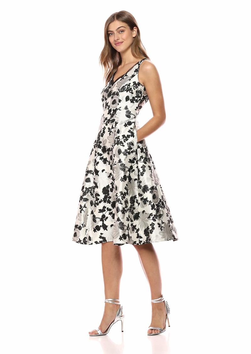 Adrianna Papell Women's Sleeveless Chic Metallic Jacquard Cocktail Dress