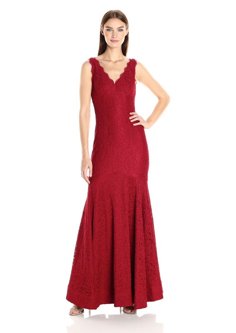 Adrianna Papell Women's Sleeveless V-Neck Lace Trumpet Gown