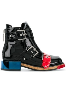 Alexander McQueen Buckle boot - Black