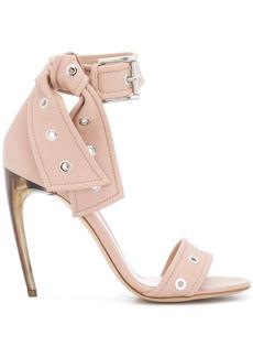 Alexander McQueen horn heel sandals - Nude & Neutrals