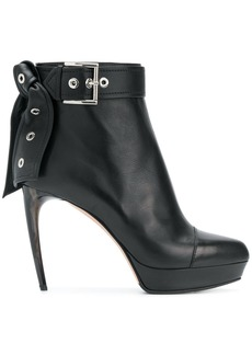 Alexander McQueen leather tie ankle boots - Black