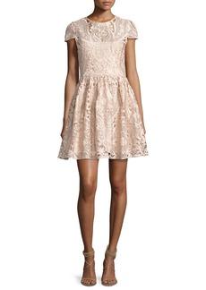 Alice + Olivia Gracia Cap-Sleeve Lace Cocktail Dress
