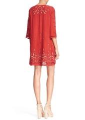 Alice + Olivia 'Morgana' Floral Lace Shift Dress