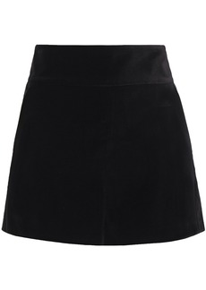 Alice + Olivia Woman Velvet Shorts Black