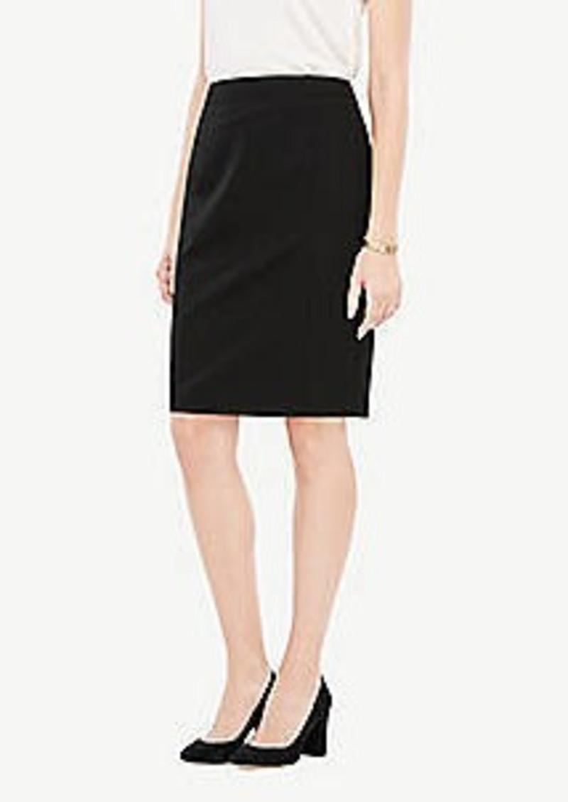 Ann Taylor Curvy Seasonless Stretch Seamed Pencil Skirt