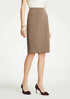 Ann Taylor Petite Seasonless Stretch Seamed Pencil Skirt