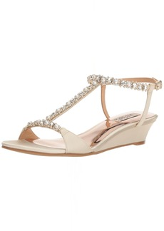 Badgley Mischka Women's Yadira Wedge Sandal   M US