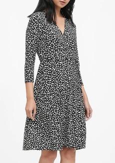 Banana Republic Print Wrinkle-Resistant Wrap Dress
