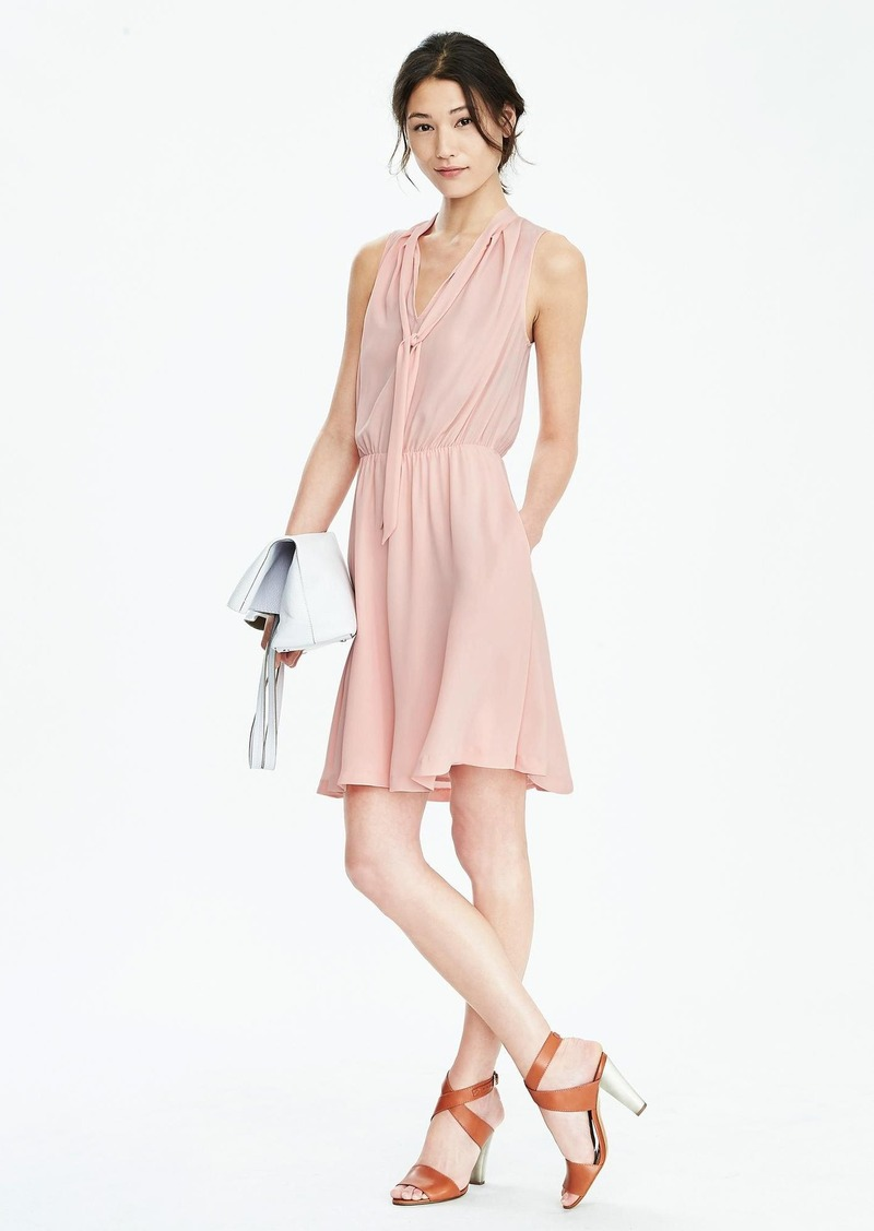 Banana Republic Sleeveless Tie-Neck Vee Dress