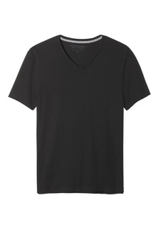 Banana Republic Soft-Wash V-Neck T-Shirt