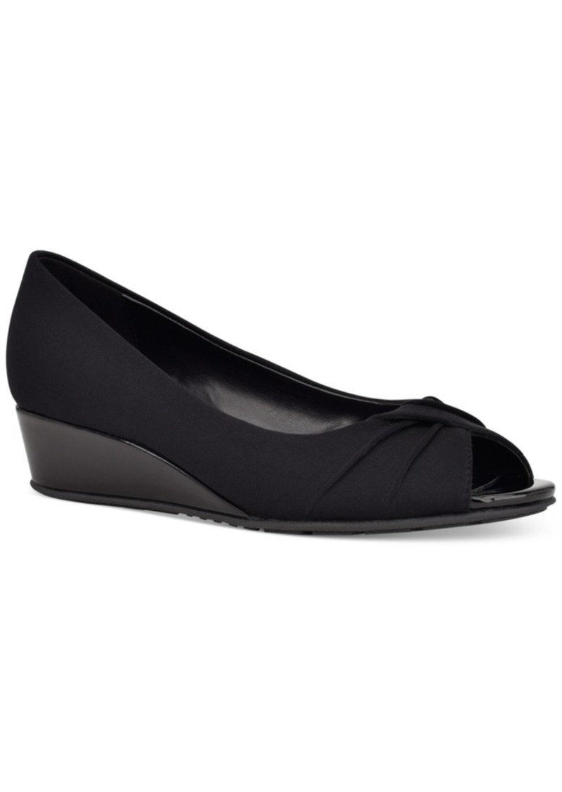 Bandolino Caddia Wedge Pumps Women's Shoes
