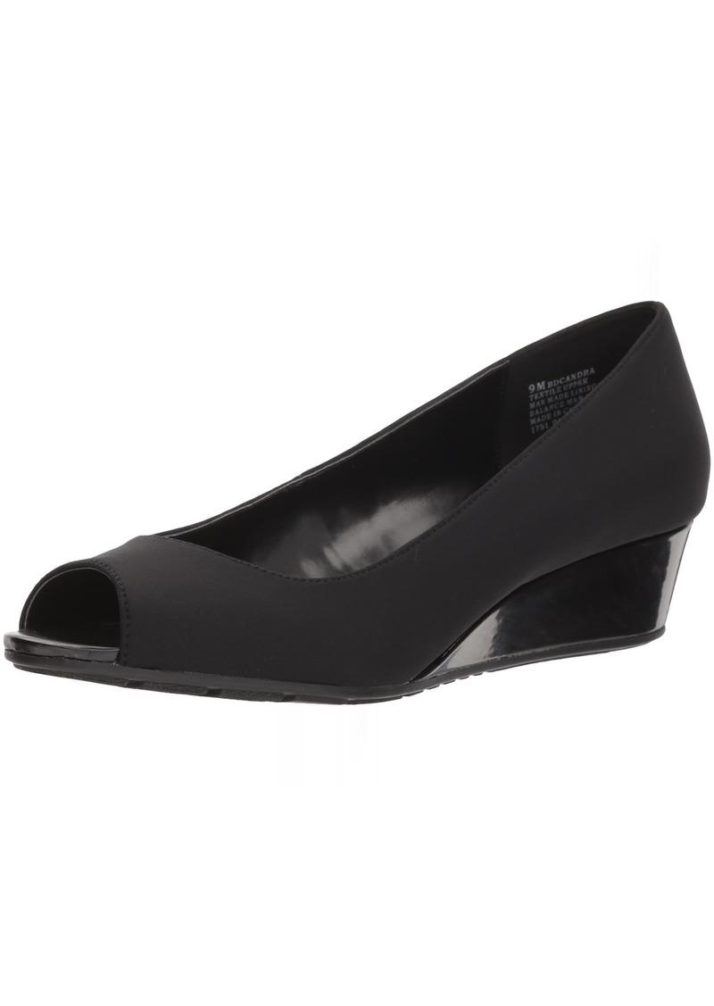 Bandolino Footwear Women's Armory Pump