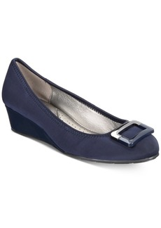 Bandolino Tad Wedge Pumps Women's Shoes