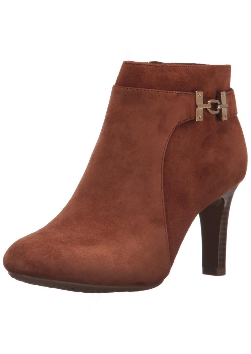 Bandolino Women's Lappo Ankle Boot   M US
