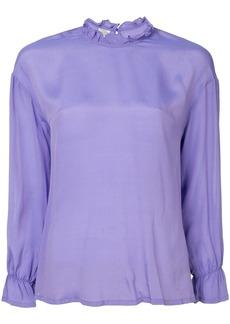 Baum und Pferdgarten ruffled neck blouse