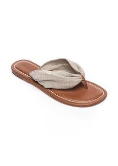 1928bc00f59 Bernardo Bernardo Tristan T Strap Sandals
