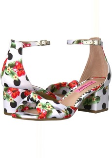 Betsey Johnson Ivee