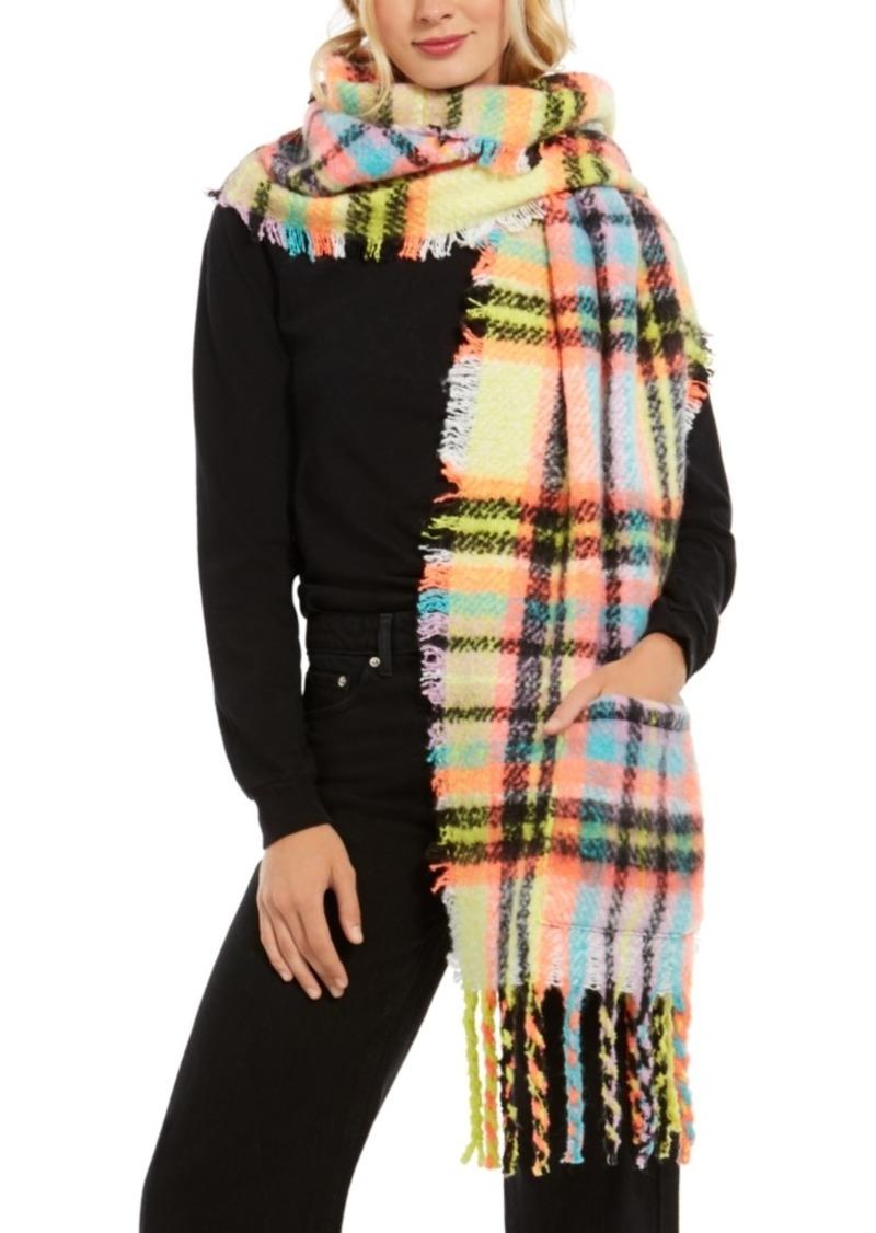 Betsey Johnson On The Rocks Pocket-Detail Blanket Wrap