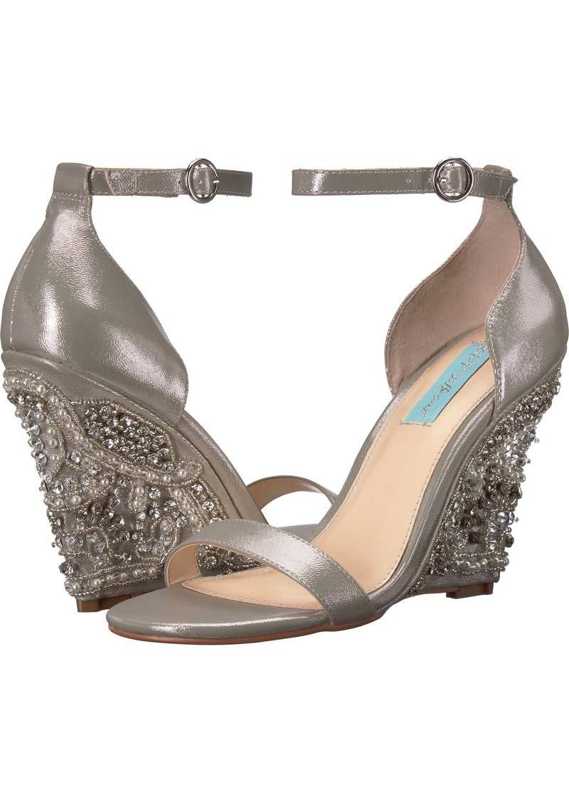 Blue by Betsey Johnson Women's SB-Alisa Wedge Sandal   M US