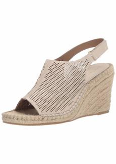 Bettye Muller Women's VICENTE Sandal ANTIQUEWHT  Medium US