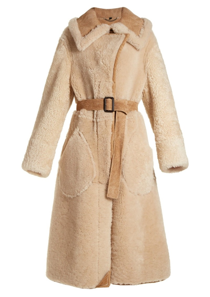 b4d95959bca47e Burberry Burberry Oversized-collar belted shearling coat