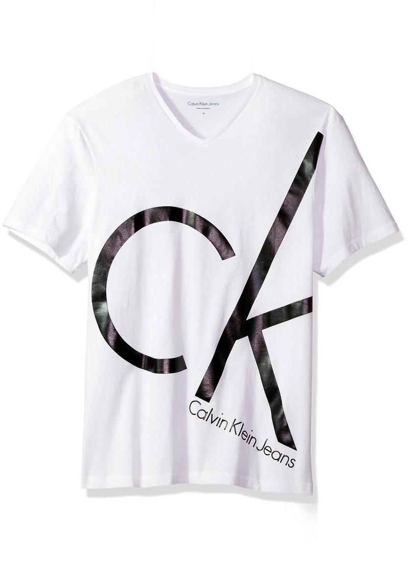 e86280fe639e Calvin Klein Calvin Klein Jeans Men's Short Sleeve Big CK Logo V ...