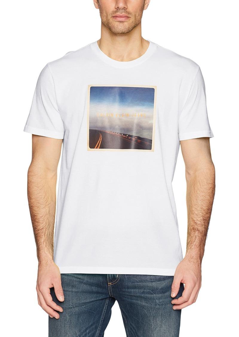 Calvin Klein Men's Road Graphic Short Sleeve T-Shirt  L