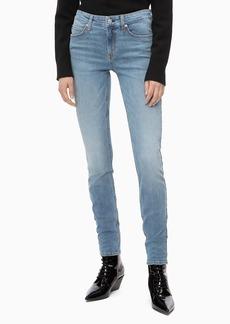 Calvin Klein Women's Mid Rise Skinny Fit Jeans Mallibu blue light 33W X 28L