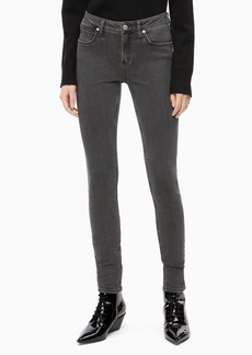 Calvin Klein Women's Mid Rise Super Skinny Fit Jeans seattle grey 31W X 30L