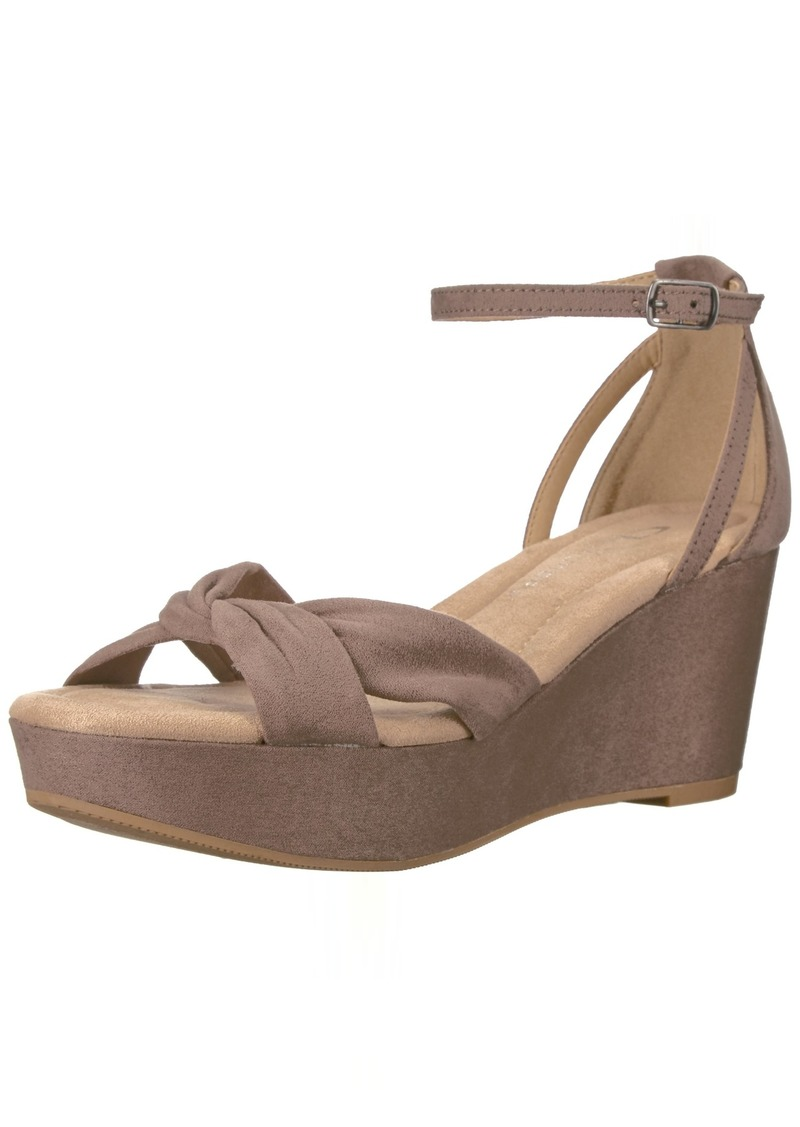 CL by Chinese Laundry Women's Devin Wedge Sandal   M US