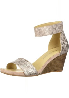 CL by Chinese Laundry Women's HOT Zone Wedge Sandal   M US