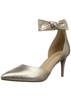 CL by Chinese Laundry Women's Outgoing Pump   M US