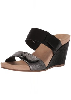 CL by Chinese Laundry Women's Tasty Wedge Sandal