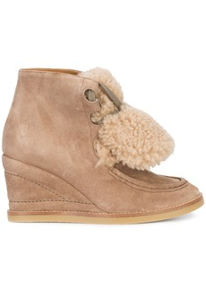 Chloé Peggy shearling wedge boots - Nude & Neutrals