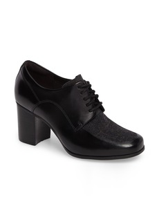 Clarks® Kensett Darla Oxford Pump (Women)