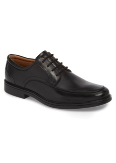 Clarks® Originals Unaldric Moc Toe Derby (Men)