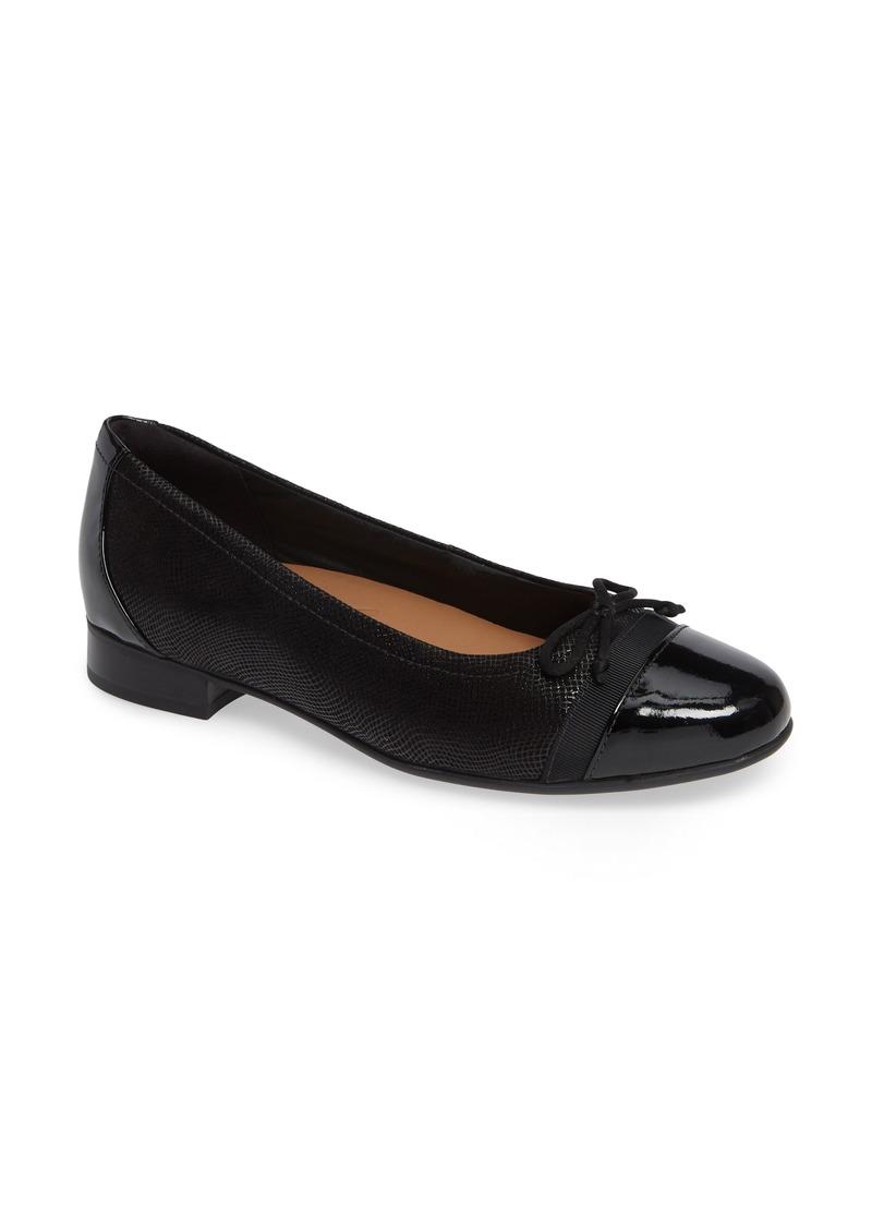 Clarks® Un Blush Cap Toe Flat (Women)