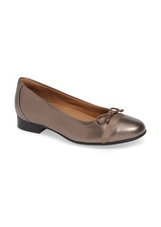 Clarks® Un Blush Cap Toe Flat (Women)