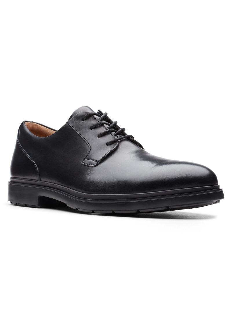 Clarks® Un Tailor Plain Toe Derby (Men)