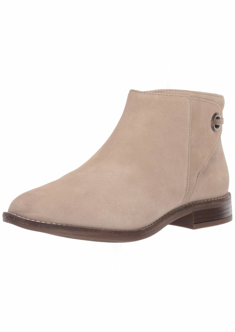 CLARKS Women's Camzin Bow Ankle Boot  100 W US