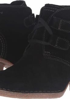 CLARKS Women's Carleta Lyon Boot  9 W US