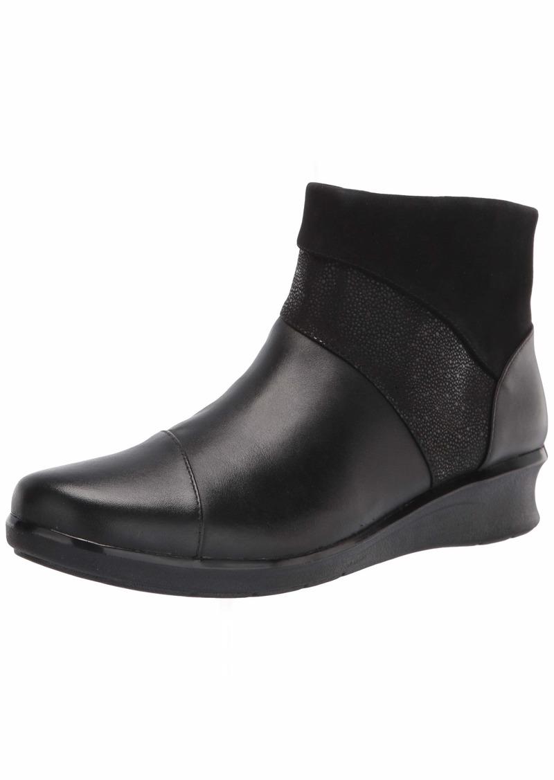 Clarks Women's Hope Mist Ankle Boot