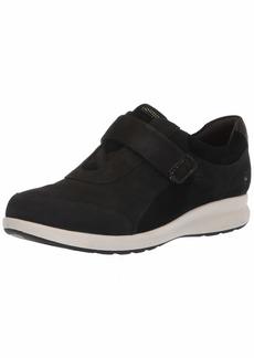 Clarks Women's Un Adorn Lo Sneaker  65 M US