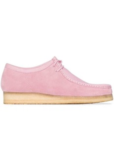 Clarks pink Combi Wallabee lace-up shoes
