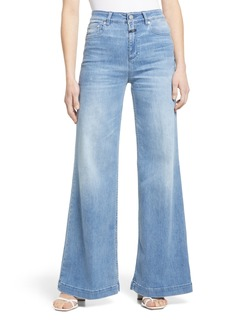 Women's Closed Glow Up Flare Leg Jeans