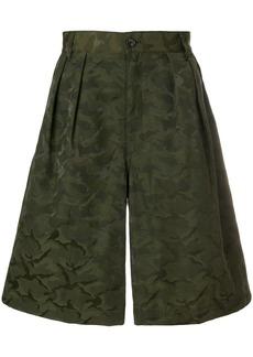 Comme Des Garçons Shirt Boys pleated camouflage shorts - Green