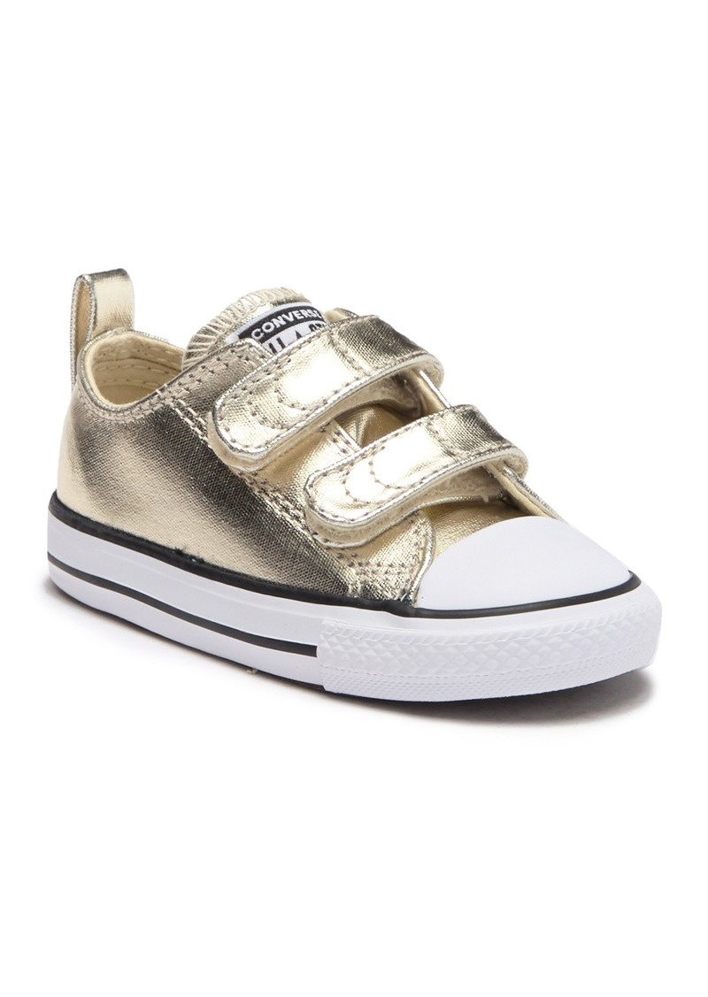 Converse Chuck Taylor(R) All-Star 2v Sneaker (Baby & Toddler)