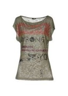 C'N'C' COSTUME NATIONAL - T-shirt