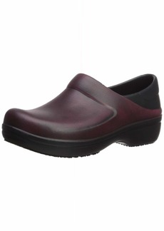 Crocs Women's Neria Pro II Distressed Clog Shoe garnet/black  M US