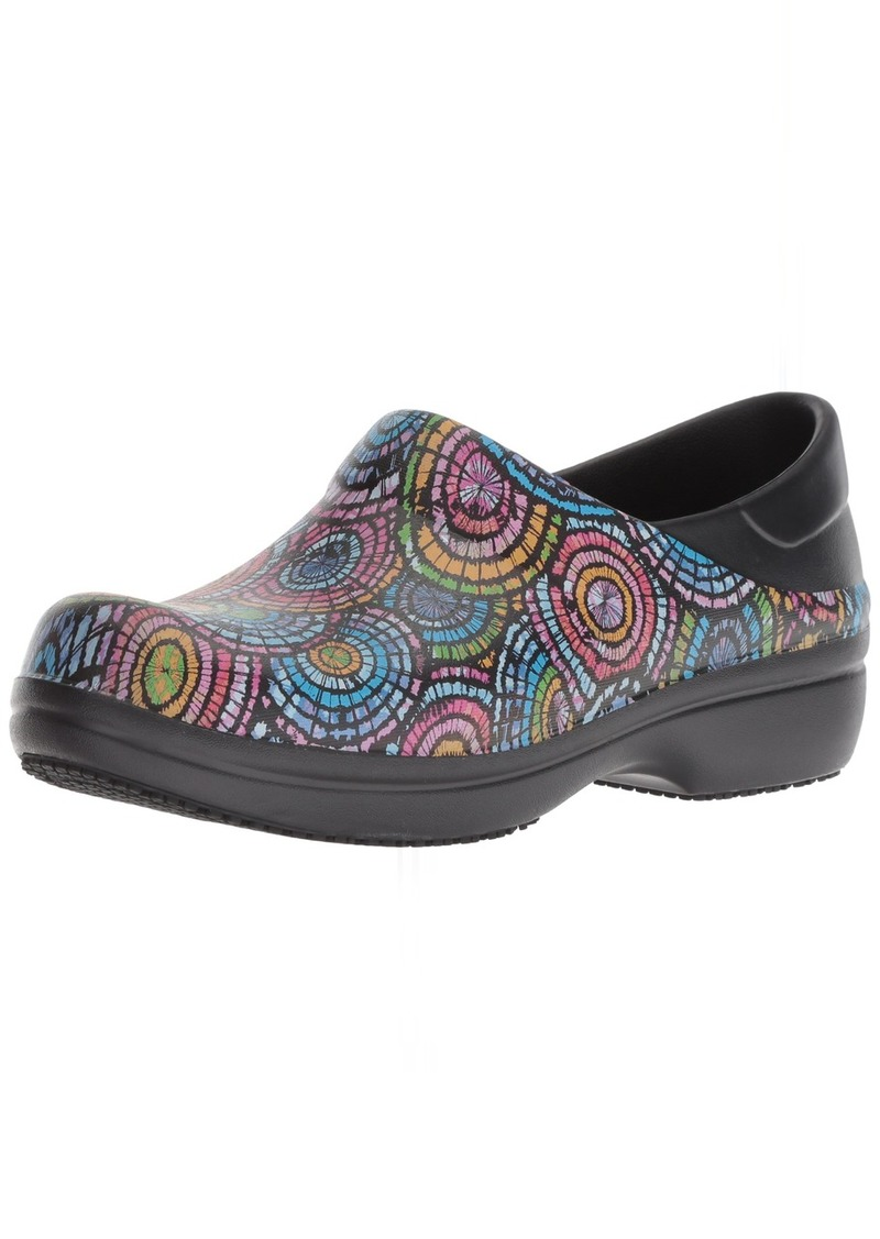 Crocs Women's Neria Pro II Graphic Clog   Slip Resistant Work and Nursing Shoe   M US